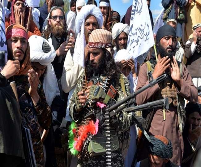 """अफगानिस्तानका छात्रालाई """"चाडै"""" विद्यालय फर्काउने तालिबानको दाबी"""